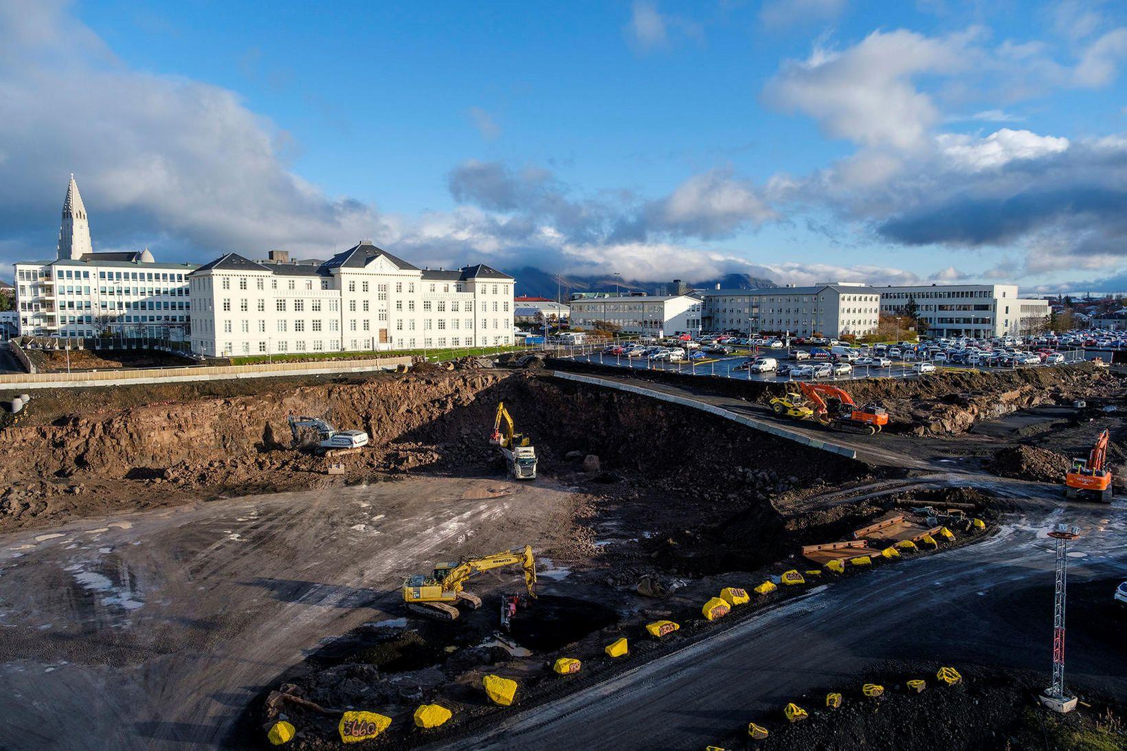 3,5 milljarða lækkun til framkvæmda við nýjan Landspítala grundvallast á …