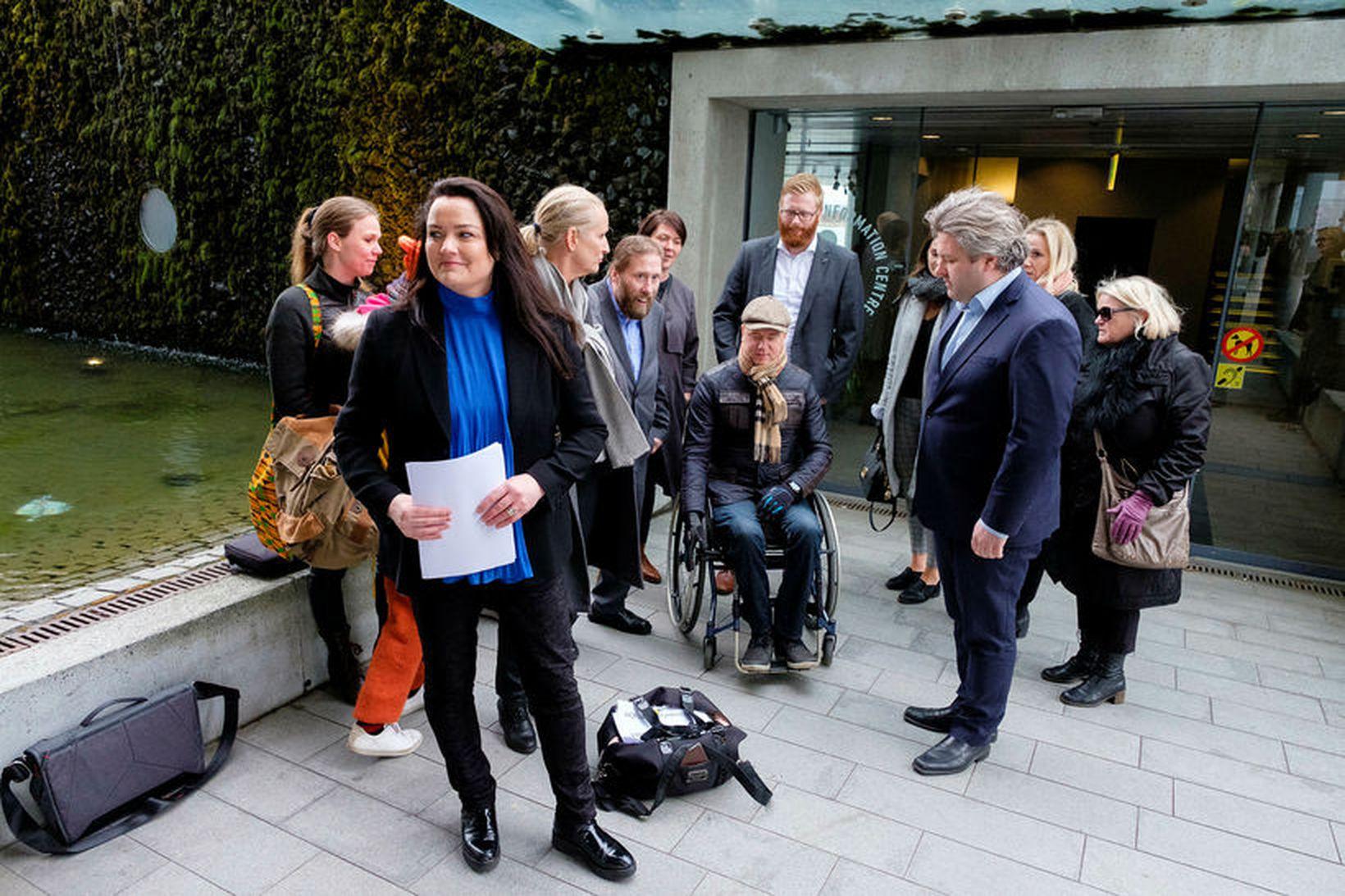 Höfuðborgarlistinn vill að Kópavogur borgi fyrir Kársnesbrú. Björg Kristín Sigþórsdóttir …