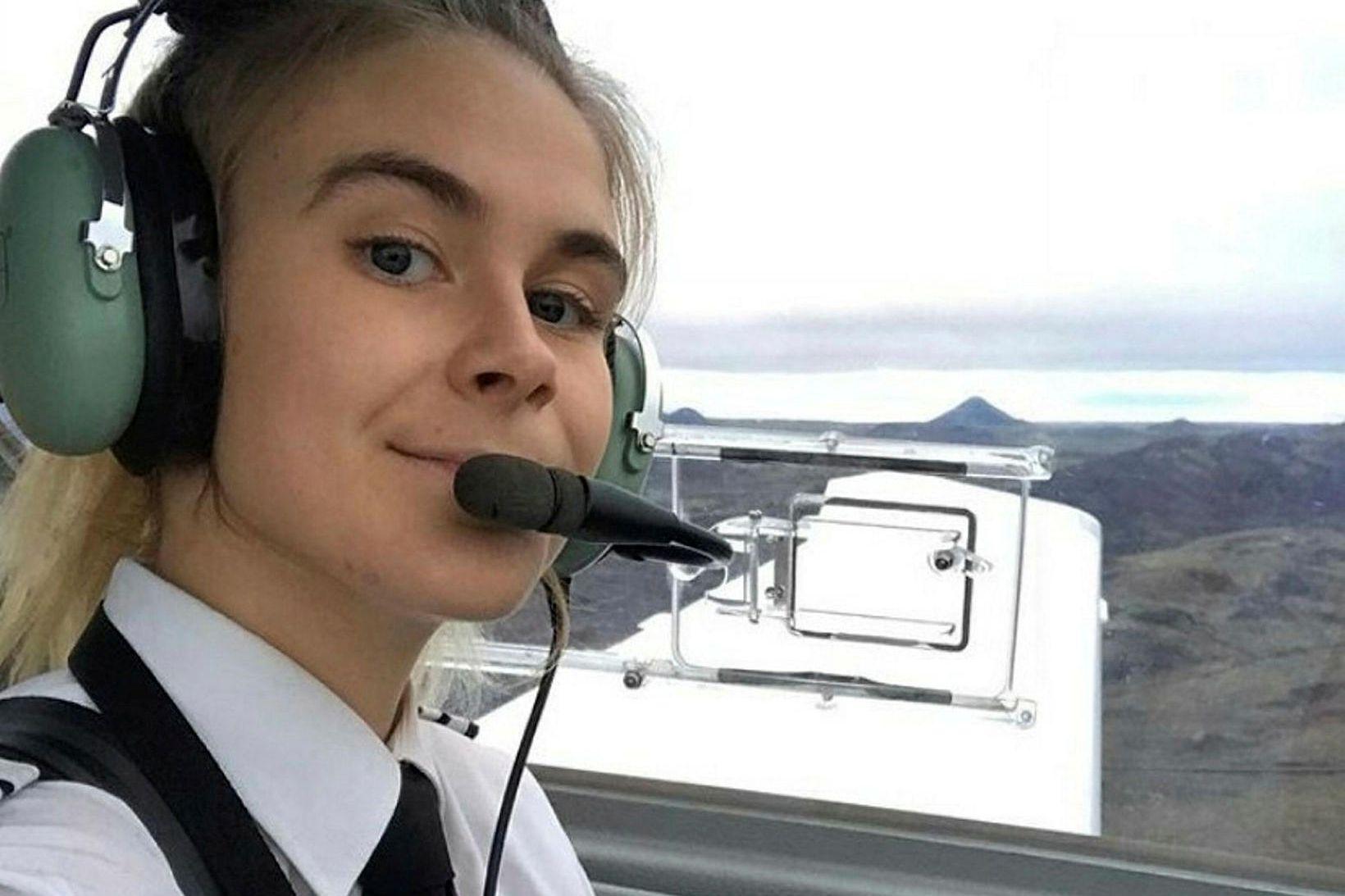 Arndís Birgisdóttir setti snemma stefnuna á flugnám.