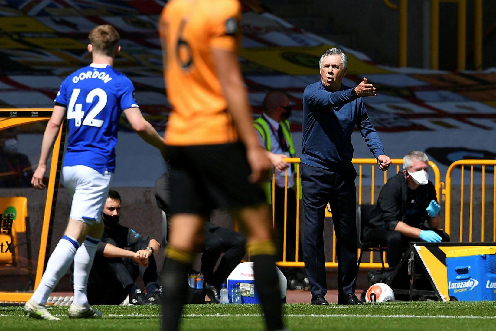 Carlo Ancelotti var mjög ósáttur eftir 3:0-tap gegn Wolves á …