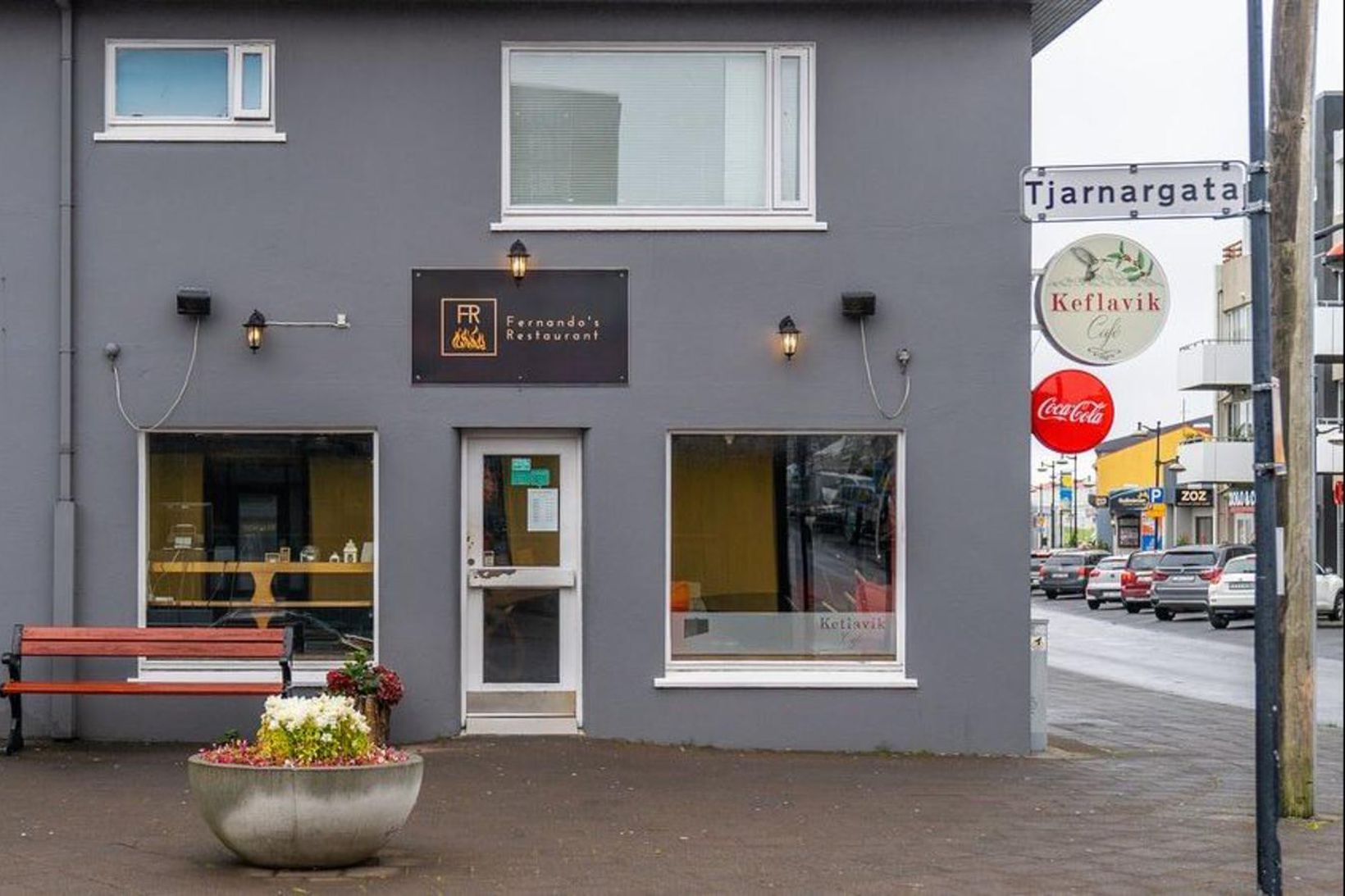 Fernando's Restaurant er í miðbæ Keflavíkur. Vinsæll upphafspunktur á ferðalagi …