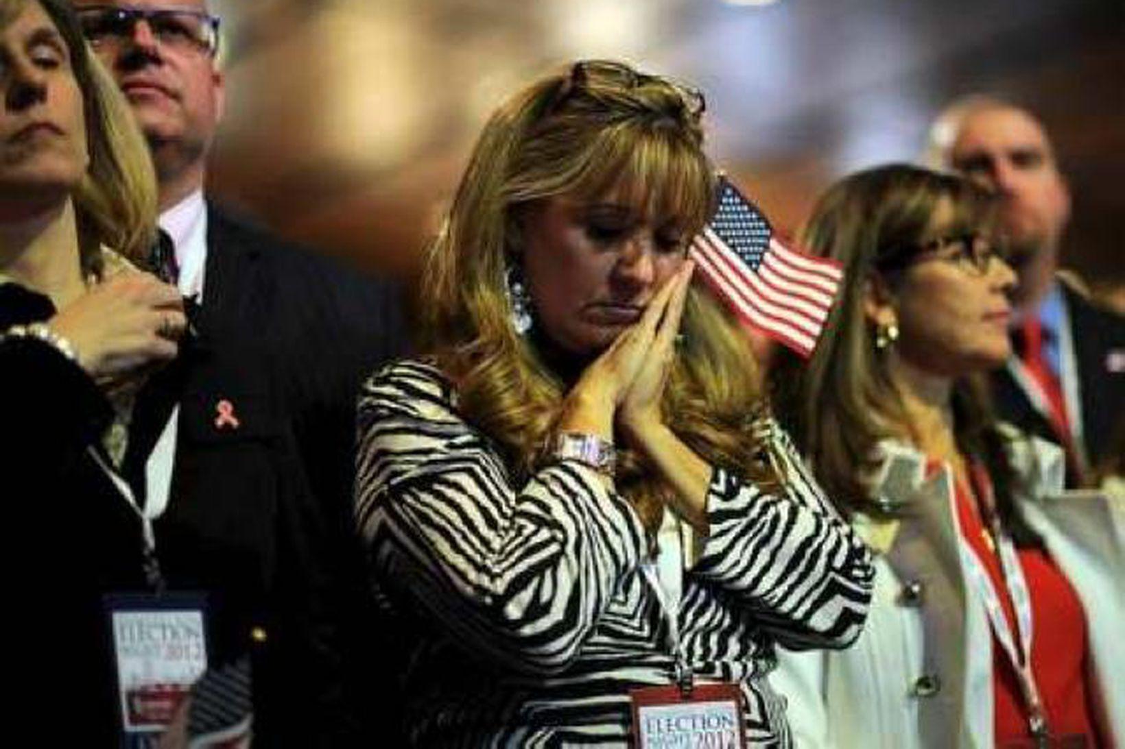 Stuðningsmenn Romney eru ekki ánægðir með úrslitin.