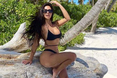 Kim Kardashian æfir með einkaþjálfara sex daga vikunnar.