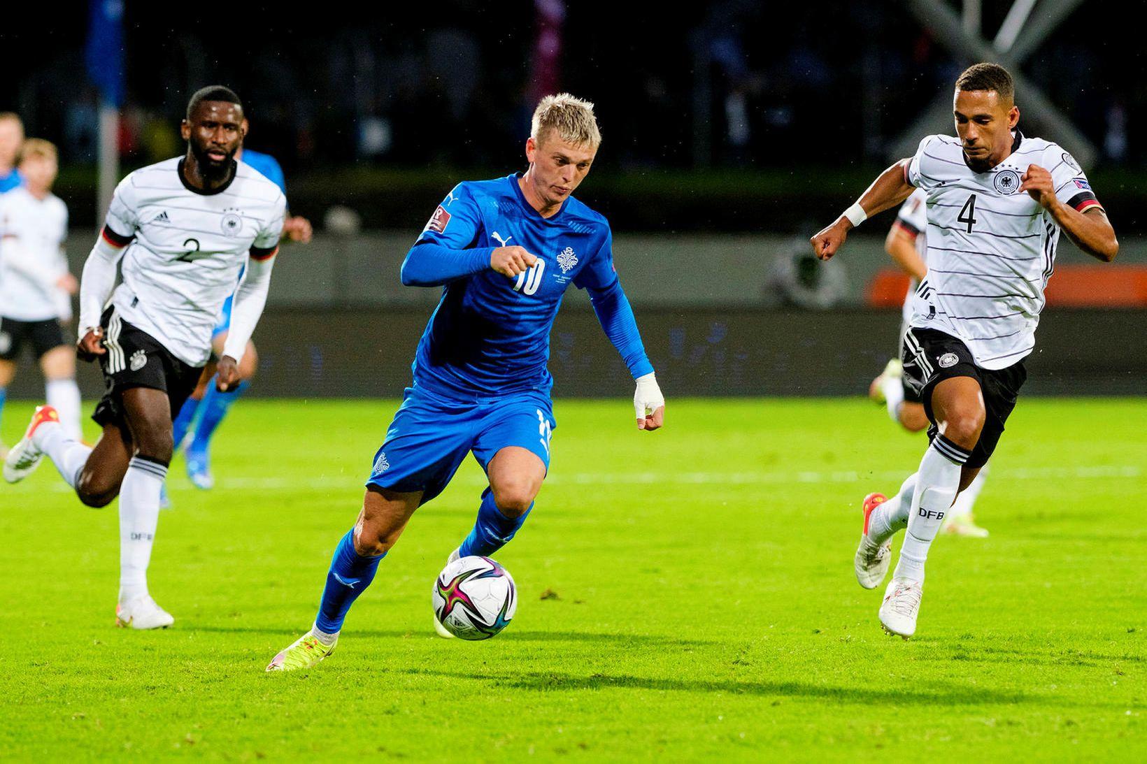 Albert Guðmundsson lét að sér kveða í Sambandsdeild UEFA í …