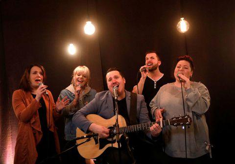 Fókushópurinn tekur lagið Battlefield í Eurovision Live Lounge K100.
