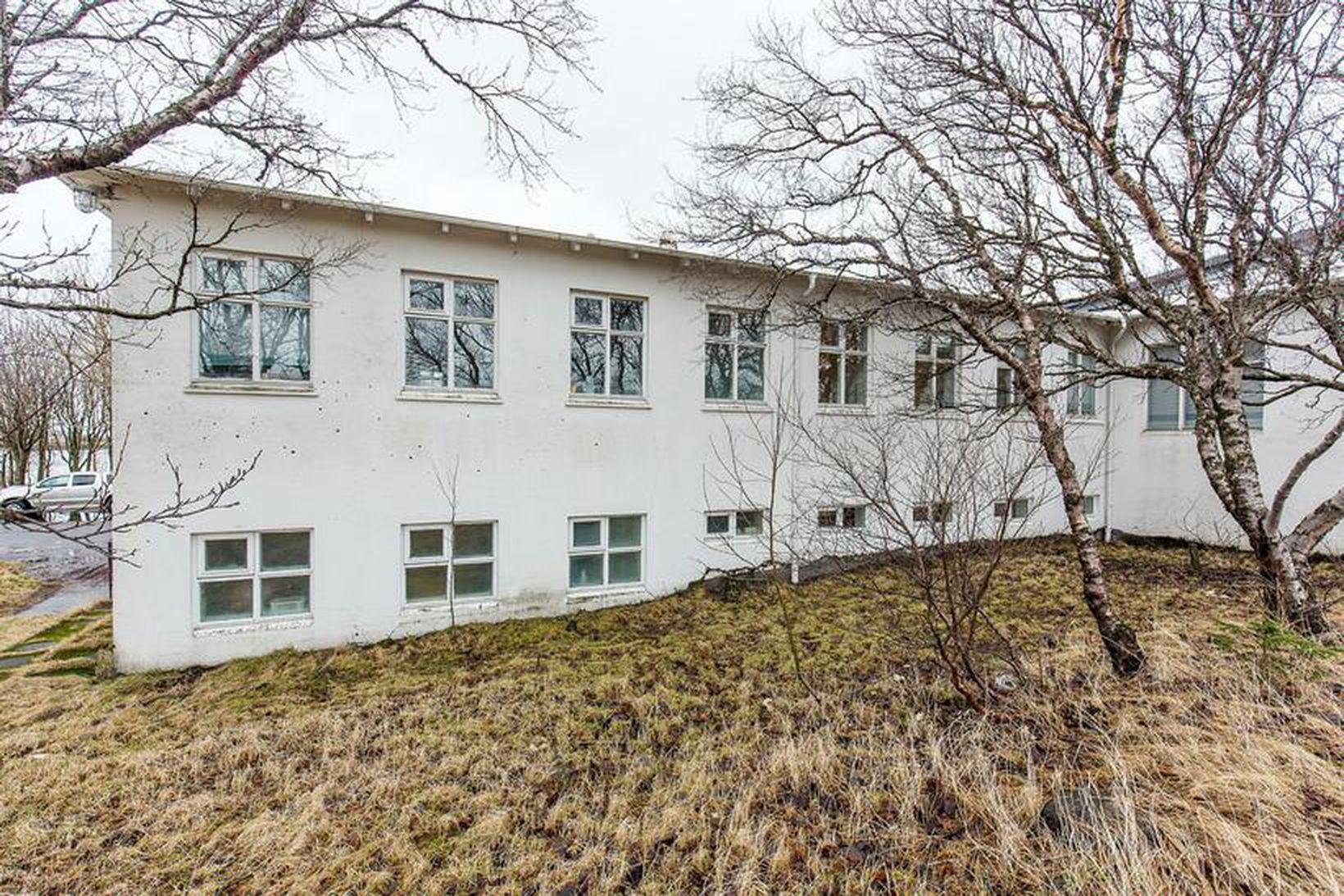 Kvennadeild Kópavogshælis var reist á sjötta áratug síðustu aldar. Þar …