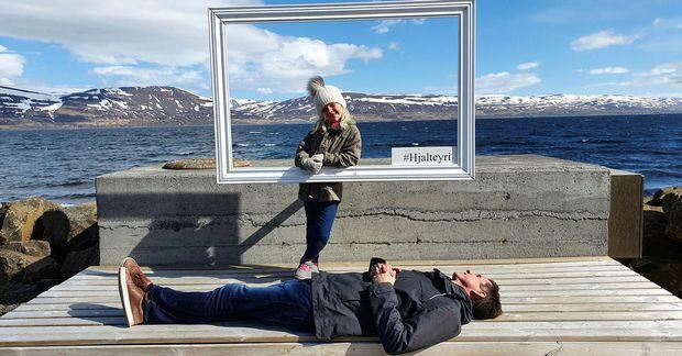 Hjalteyri er lítið myndrænt þorp í um tuttugu mínútna akstursfjarðlægð frá Akureyri.