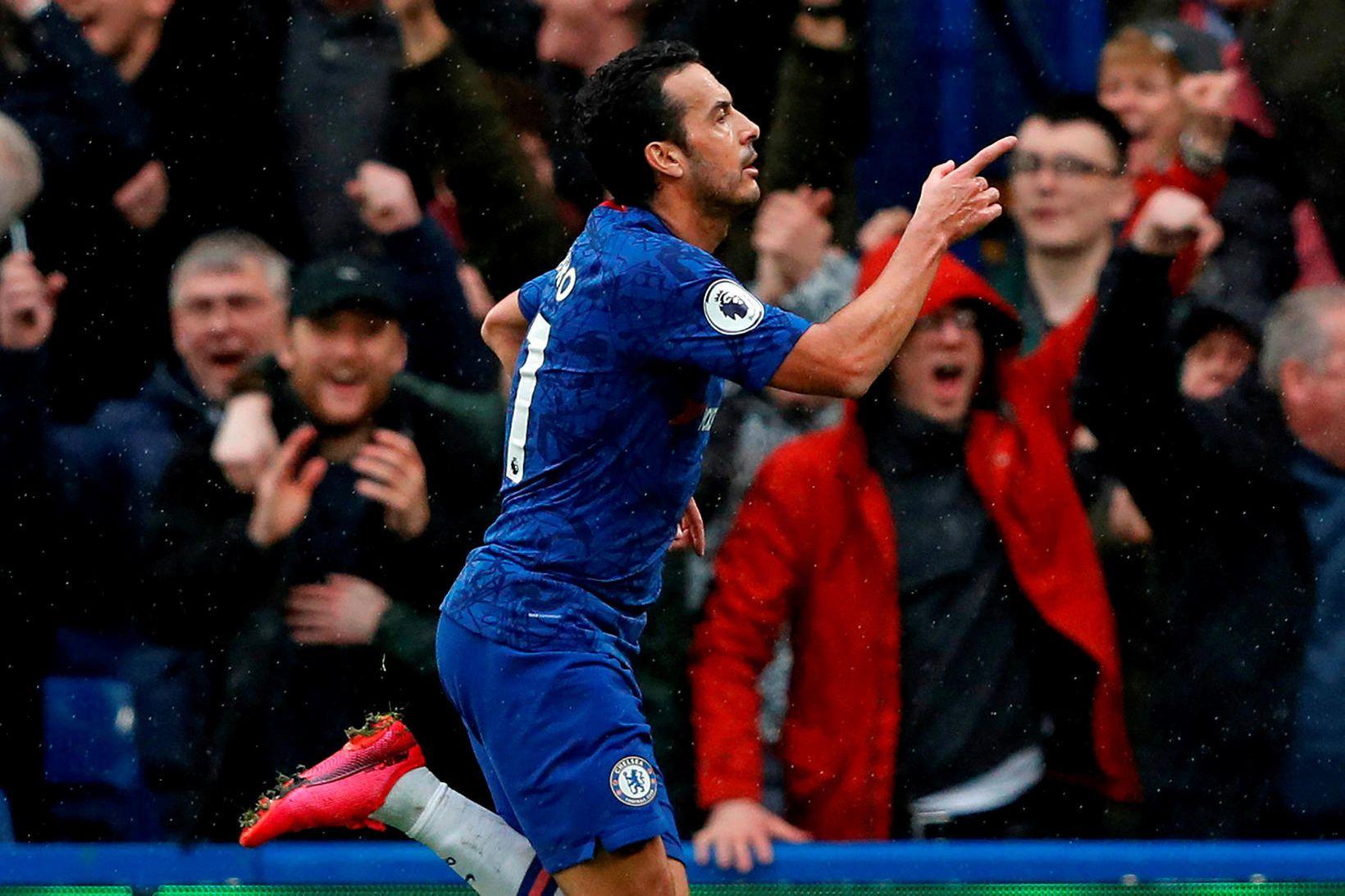 Pedro fagnar marki fyrir Chelsea.