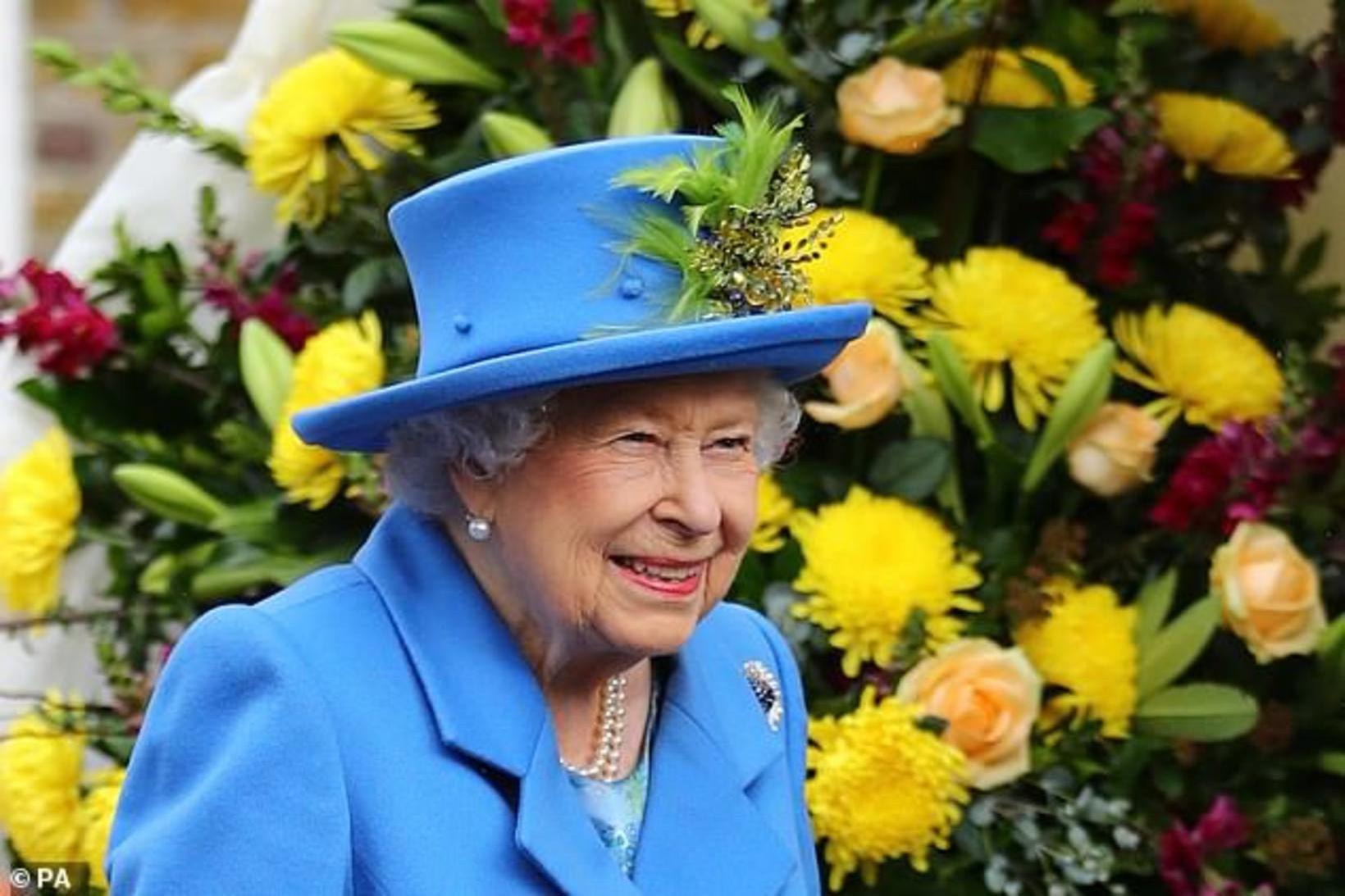 Drottningin er sælkeri mikill og elskar að staupa sig á …