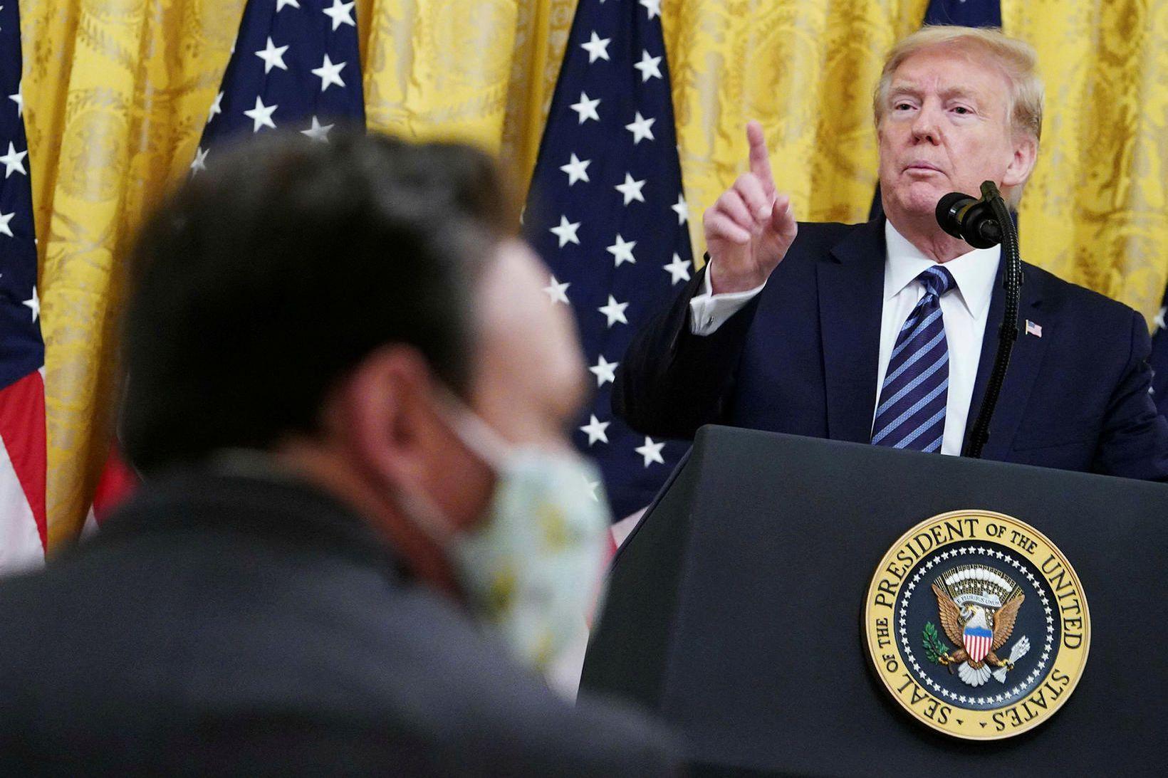 Trump hefur ekki sparað yfirlýsingarnar í tengslum við kórónuveiruna.