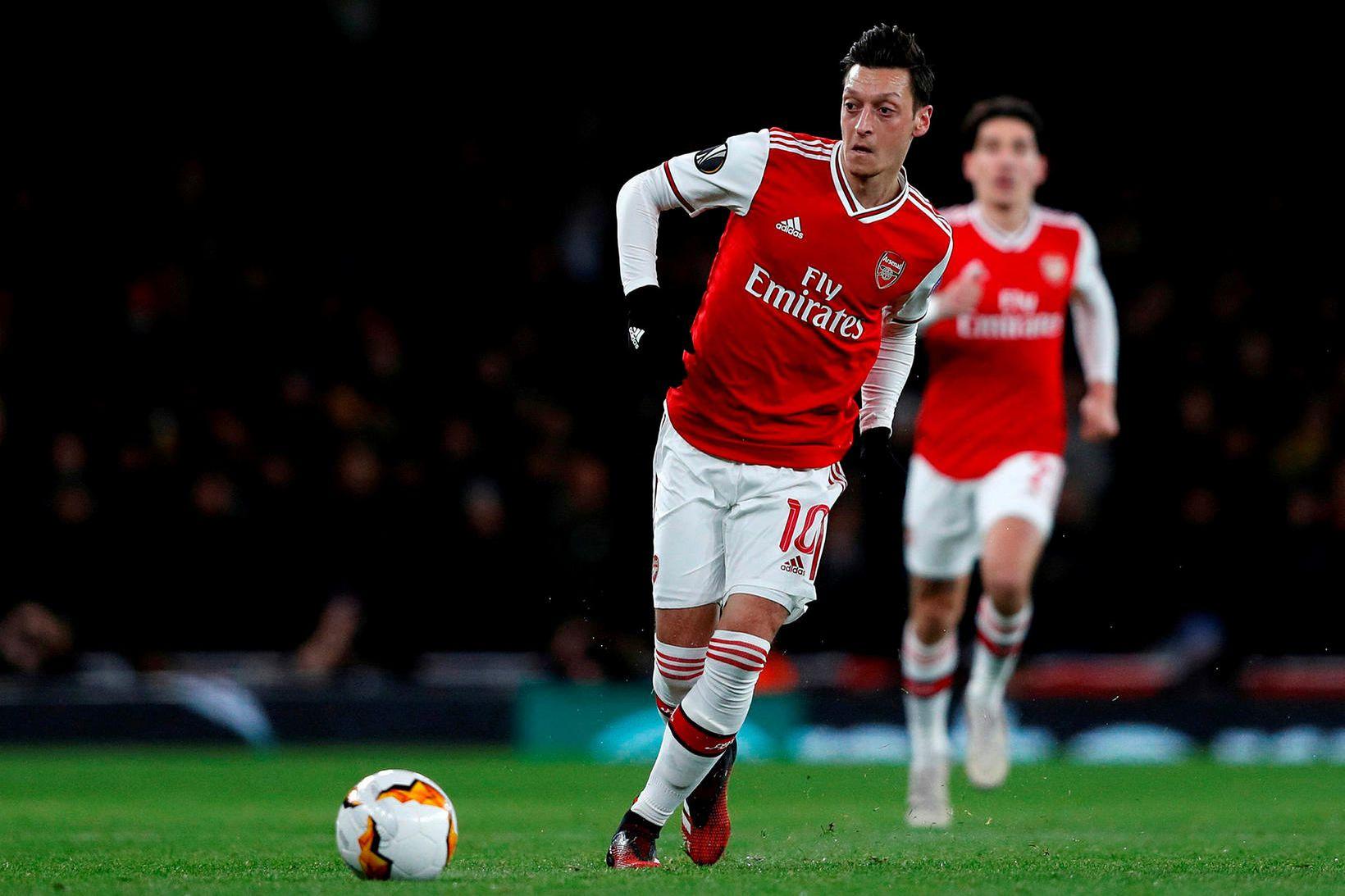 Mesut Özil gæti yfirgefið Arsenal fljótlega.