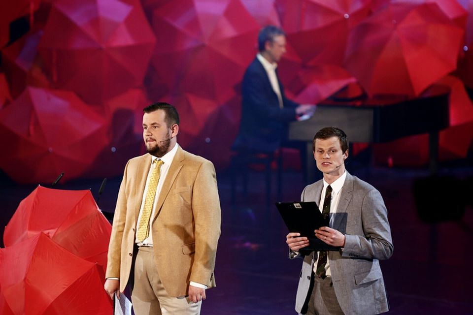 Bebbi og Dóri DNA (Bergur Ebbi Benediktsson og Halldór Halldórsson) voru kynnar á Grímunni.