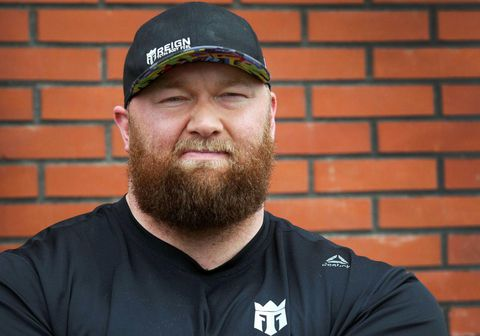 Hafþór Júlíus Björnsson mætir Devon Larratt í boxhringnum á morgun í Dúbai.