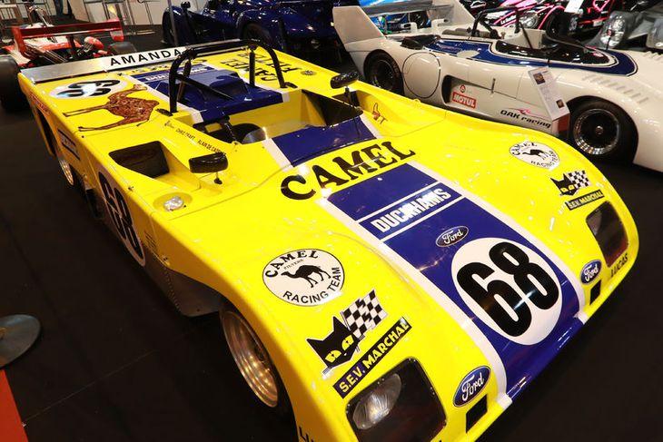 Duckhams keppnisbíll úr Le Mans kappakstrinum frá 1972 er meðal athyglisverðra bíla í París.