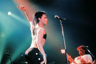 Prince á tónleikum í París árið 1986.
