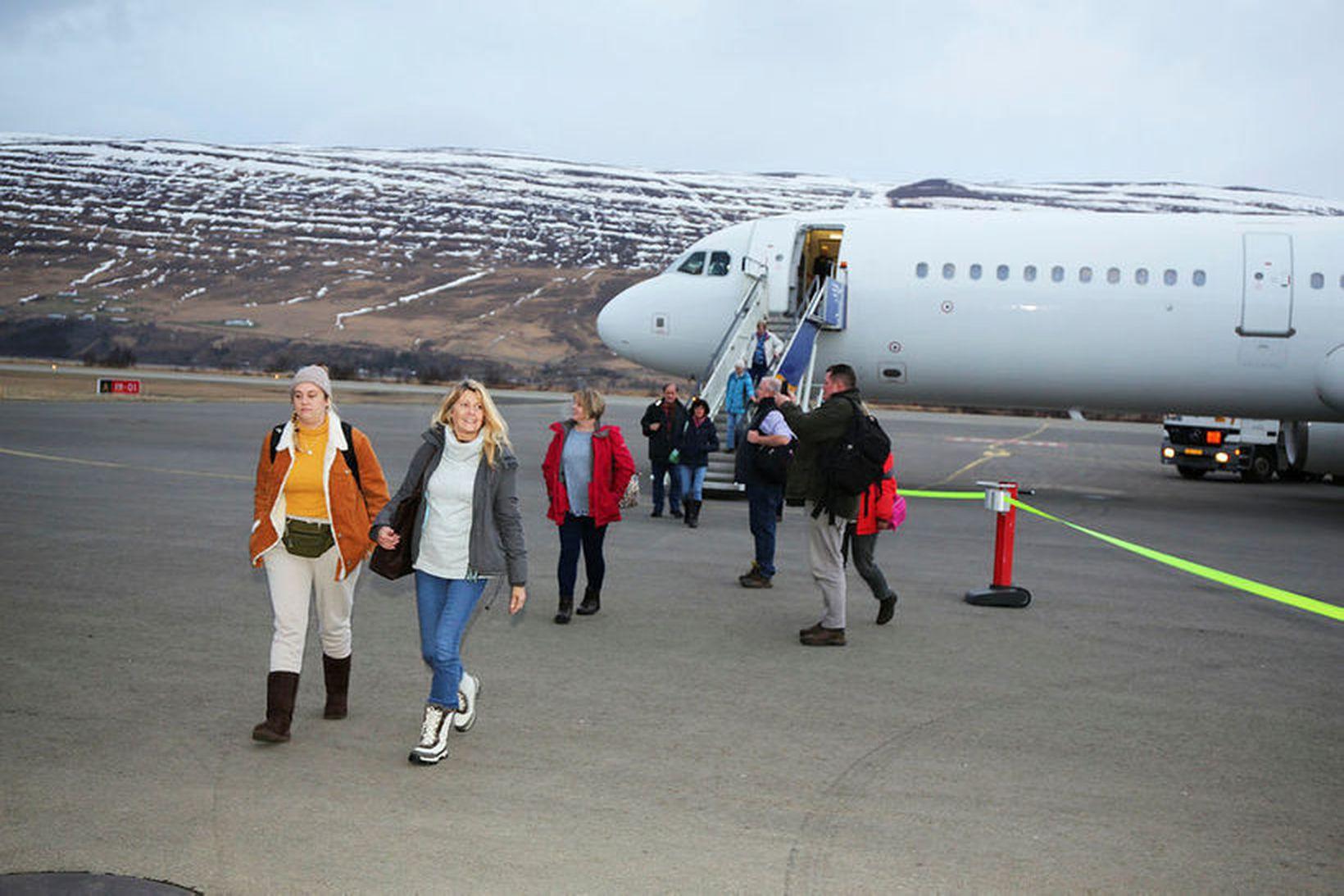 Bein flug á milli Bretlands og Akureyrar á vegum Super …