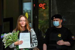 Svetlana Prokopyeva yfirgefur dómsal í morgun.