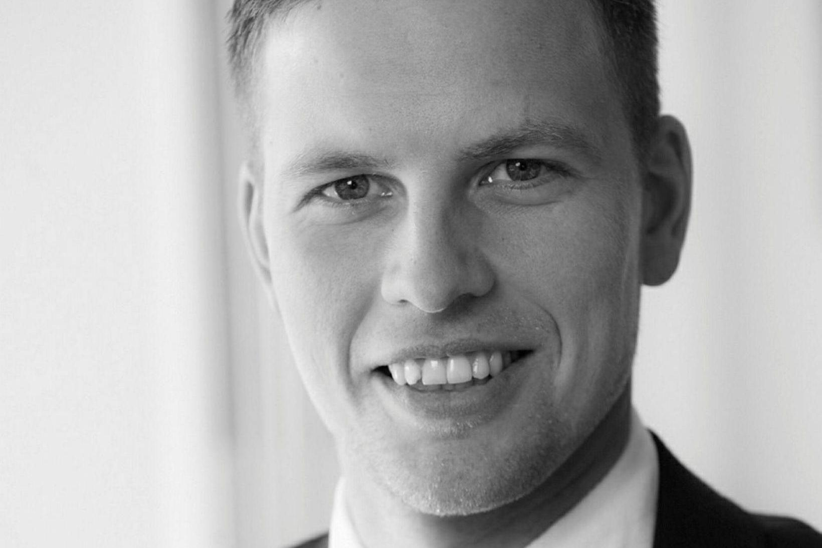 Aron Freyr Eirkíksson fasteignasali hjá ÁS í Hafnarfirði.
