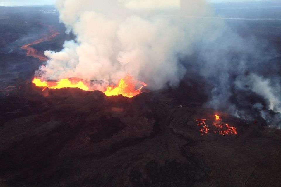 The eruption in Holuhraun at 6:40pm yesterday (GMT).