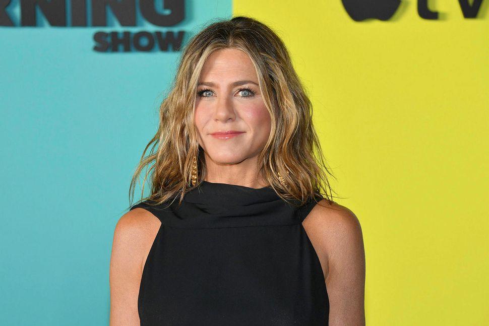 Jennifer Aniston mætti í gömlum kjól á frumsýningu.