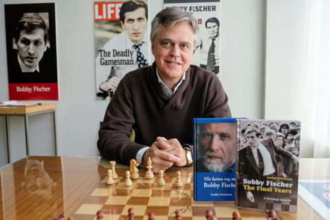 Garðar Sverrisson, with his book, now in English translation: Bobby Fisher-The Final Years.