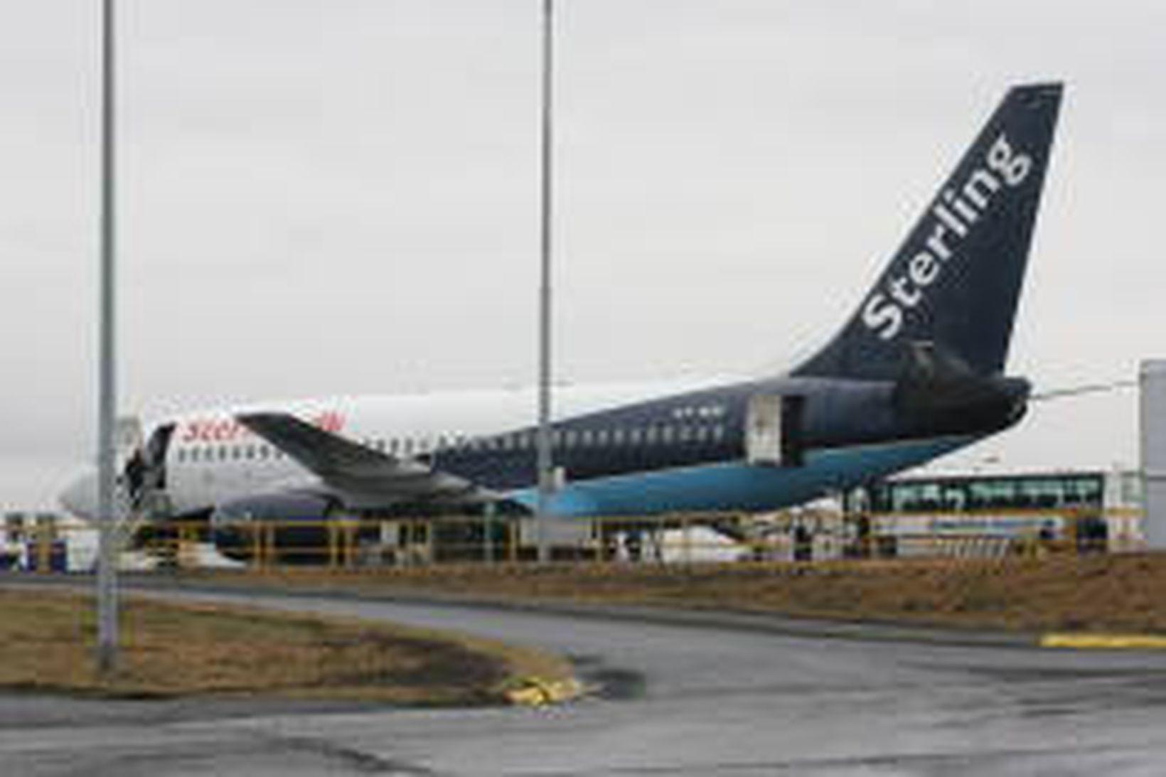 Flugvél Sterling á Reykjavíkurflugvelli.