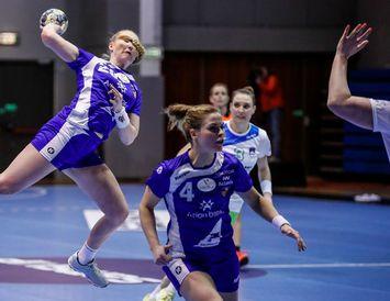 Helena Rut Örvarsdóttir, Þórey Rósa Stefánsdóttir landsliðskonur í handknattleik.