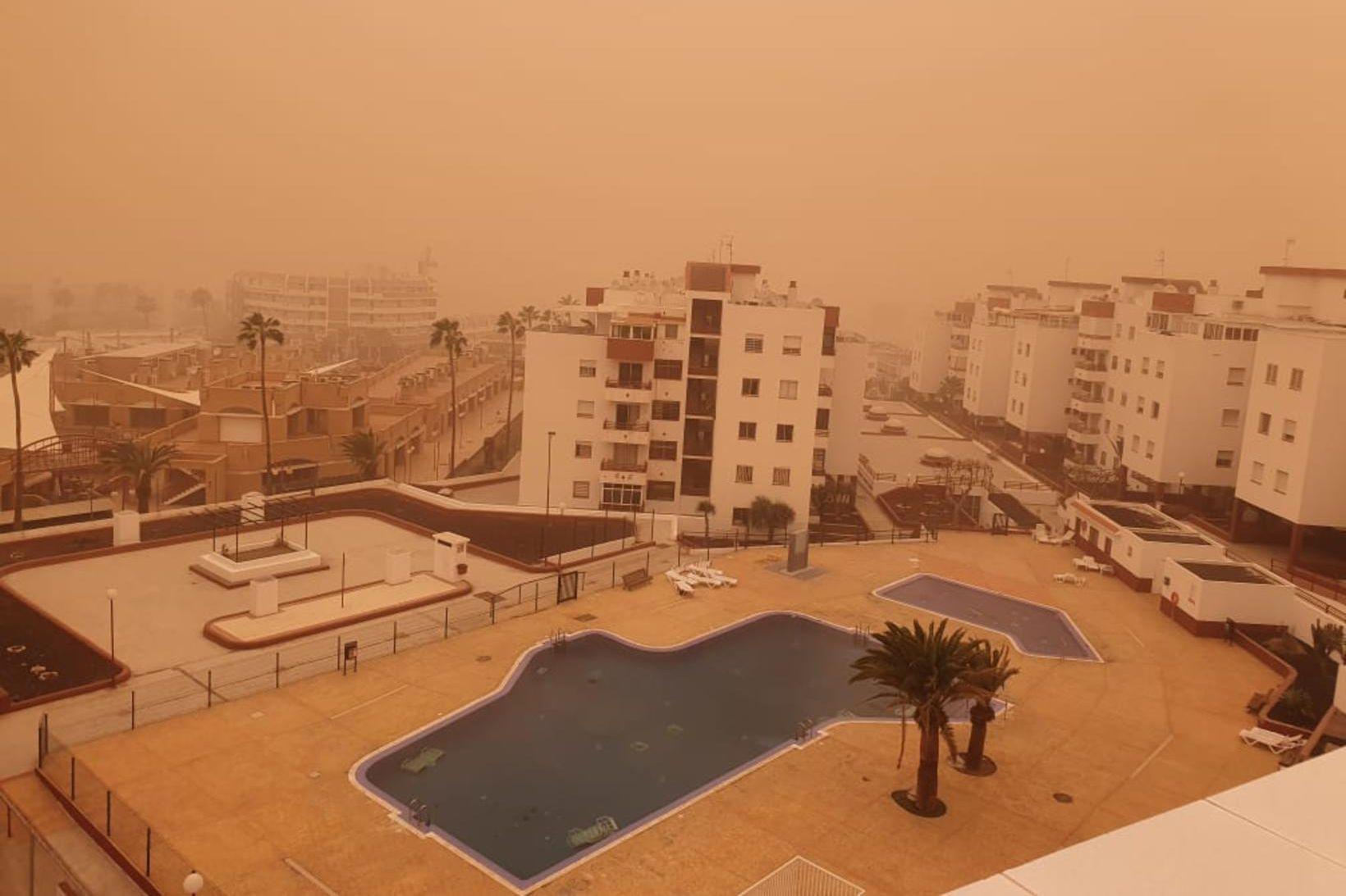 Mikill sandstormur hefur geisað á Kanaríeyjum í dag og var …