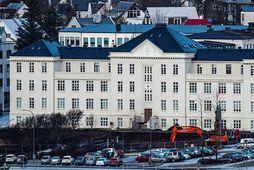 Tíu umsækjendur eru um þrjár stöður framkvæmdastjóra nýrra sviða á Landspítalanum.
