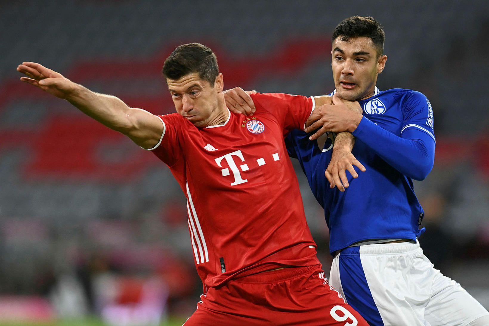 Robert Lewandowski og Ozan Kabak eigast við í leik Bayern …
