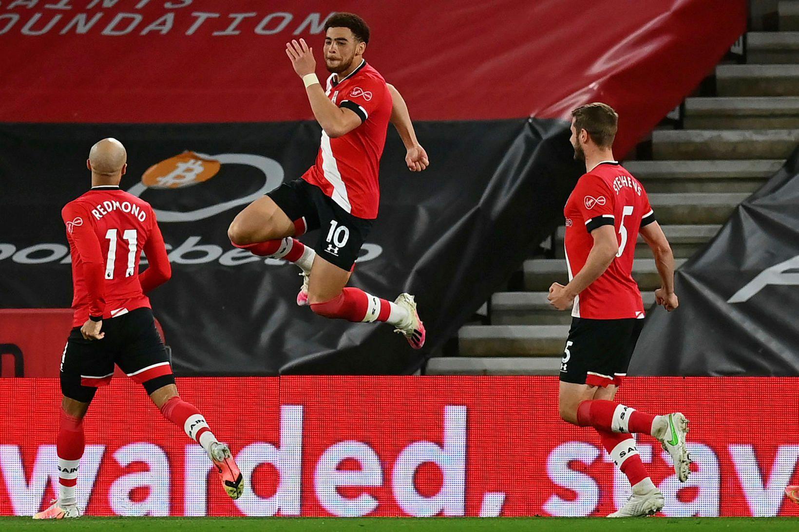 Che Adams og félagar í Southampton taka á móti Fulham.