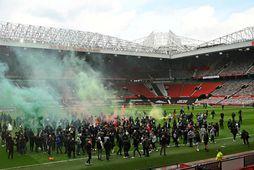 Stuðningsmenn Manchester United létu öllum illum látum í dag.