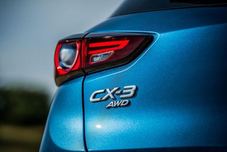 Mazda CX-3 hinn nýi verður frumsýndur í Brimborg á laugardag.