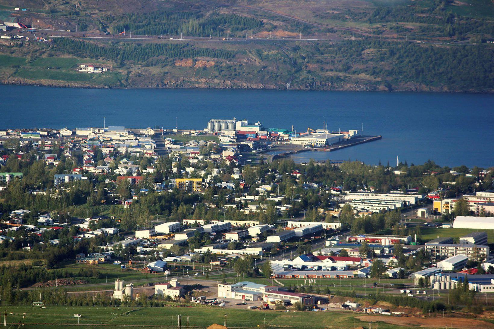 Rafmagni hefur verið komið á að nýju á Akureyri, Dalvík, …