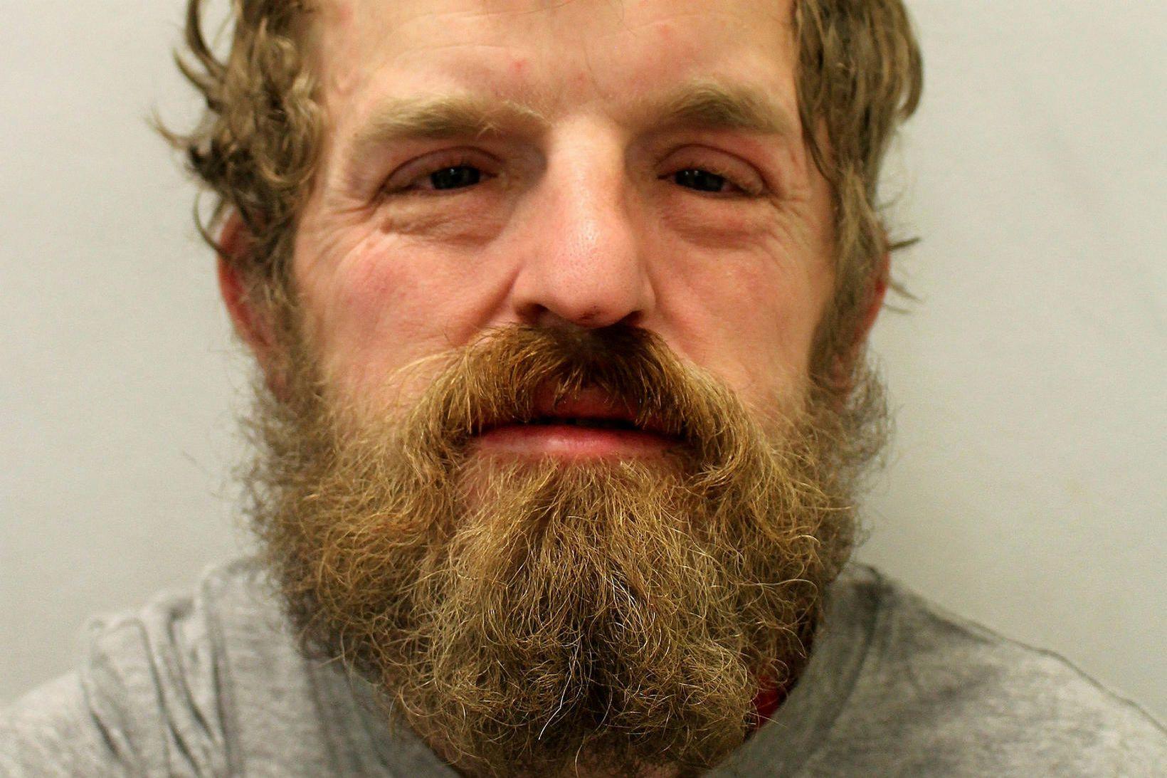 Mark Manley, 35 ára breskur karlmaður, hefur verið dæmdur í …