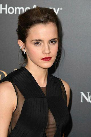 Leikkonan Emma Watson fer með hlutverk Fríðu í kvikmyndinni.