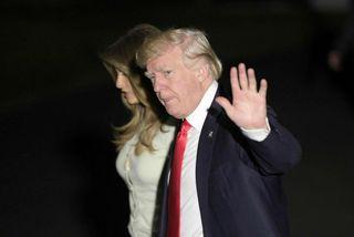 Donald Trump og Melania snéru aftur til Bandaríkjanna í gær eftir níu daga ferðalag utan ...