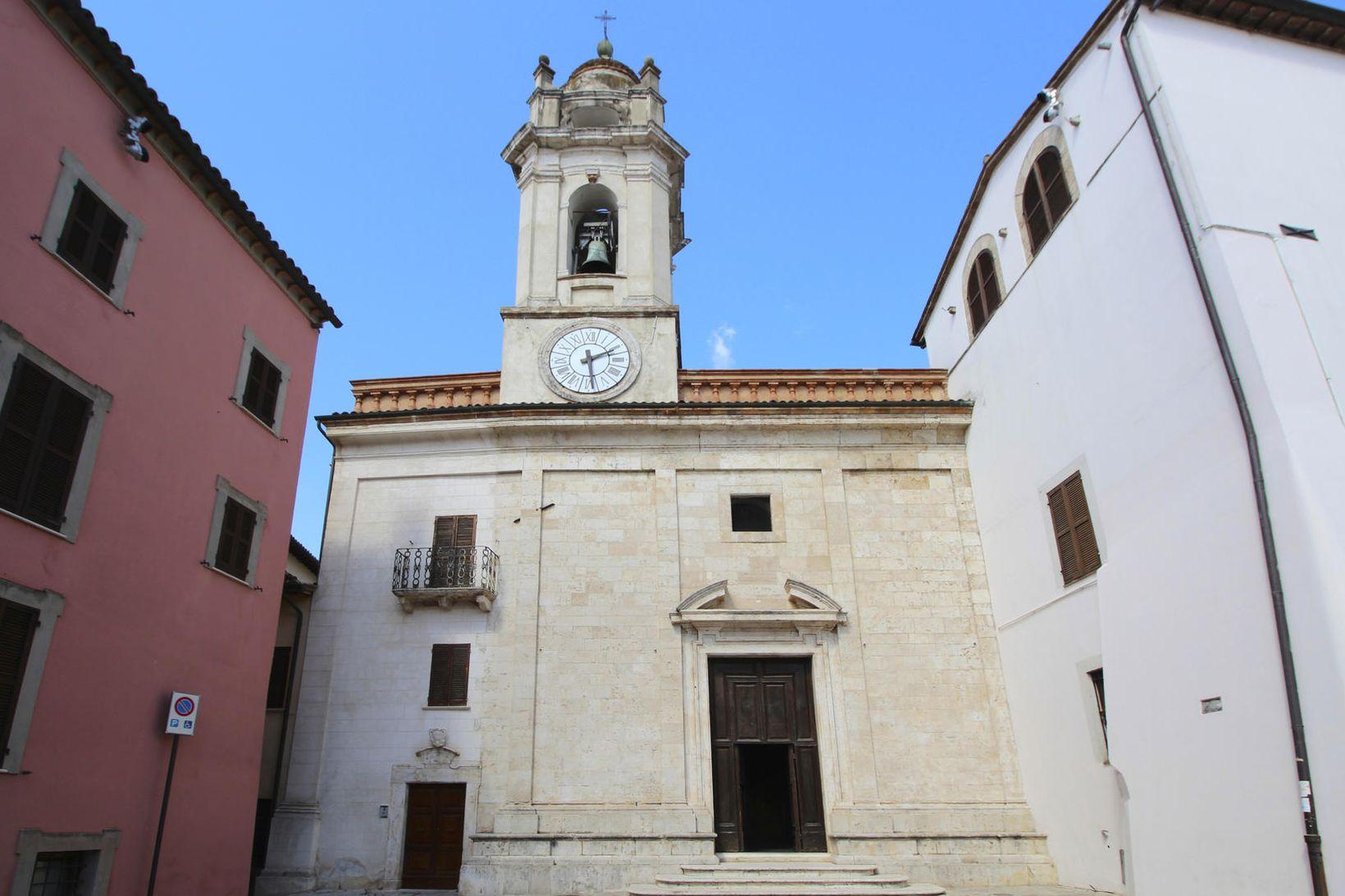 San Felice-kirkjan í bænum Massa Martana.