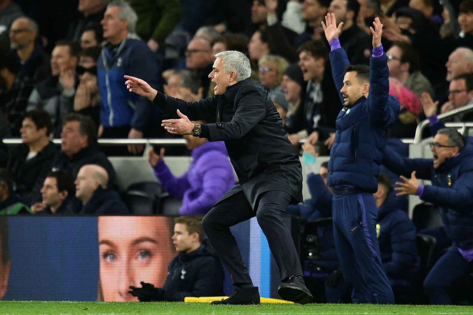 José Mourinho var líflegur á hliðarlínunni í kvöld.