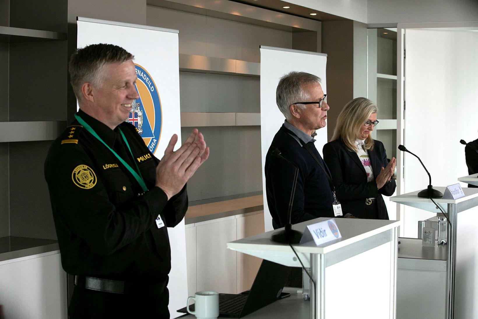 Víðir Reynisson, Þórólfur Guðnason og Alma Möller hafa verið framlínunni …