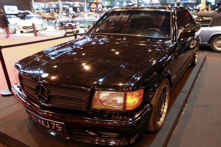 AMG Mercedes 560 SEC 6.0 L úr safni franska rokkkóngsins Johnny Hallyday