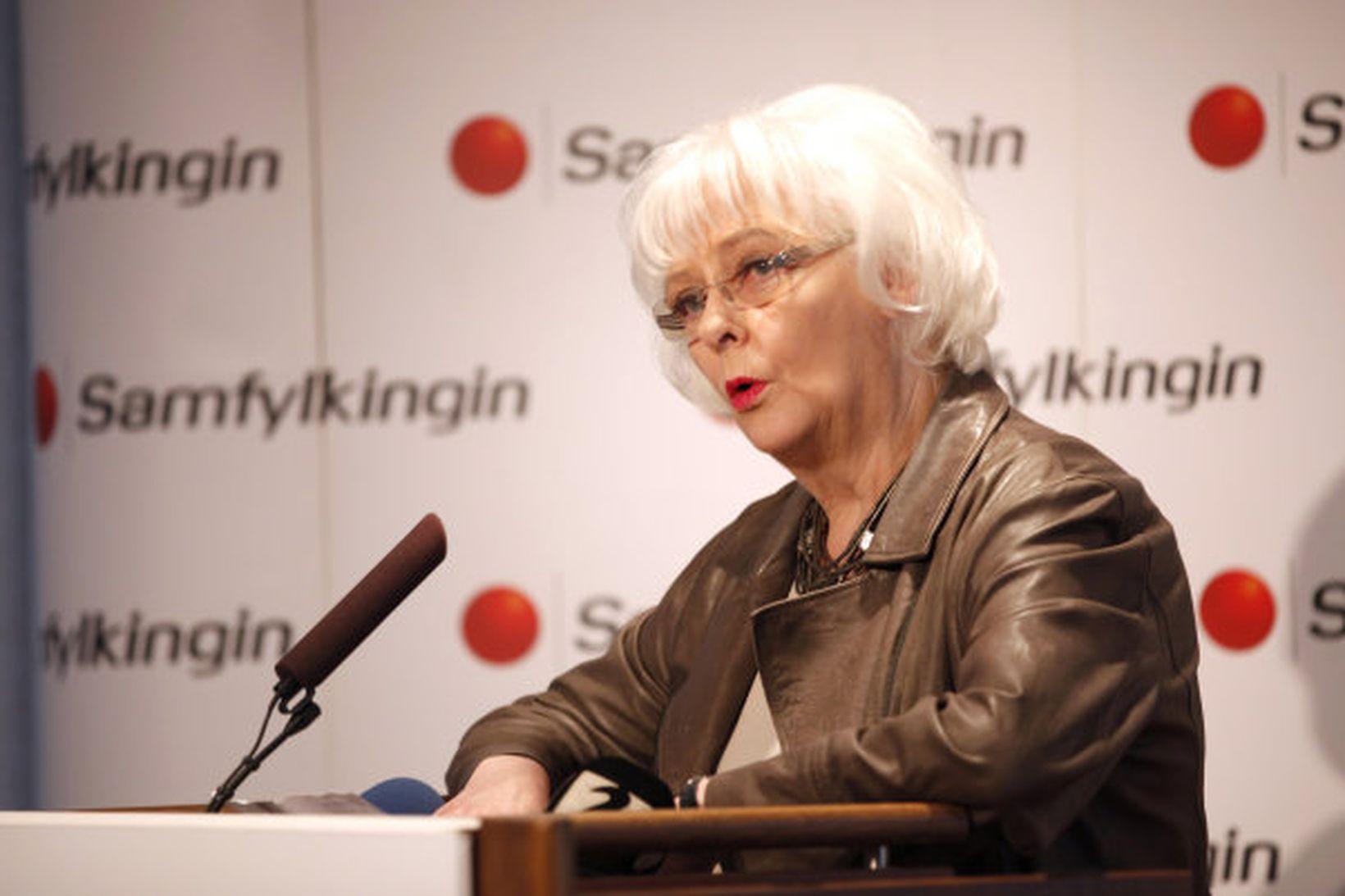 Jóhanna Sigurðardóttir forsætisráðherra á flokkstjórnarfundinum í dag