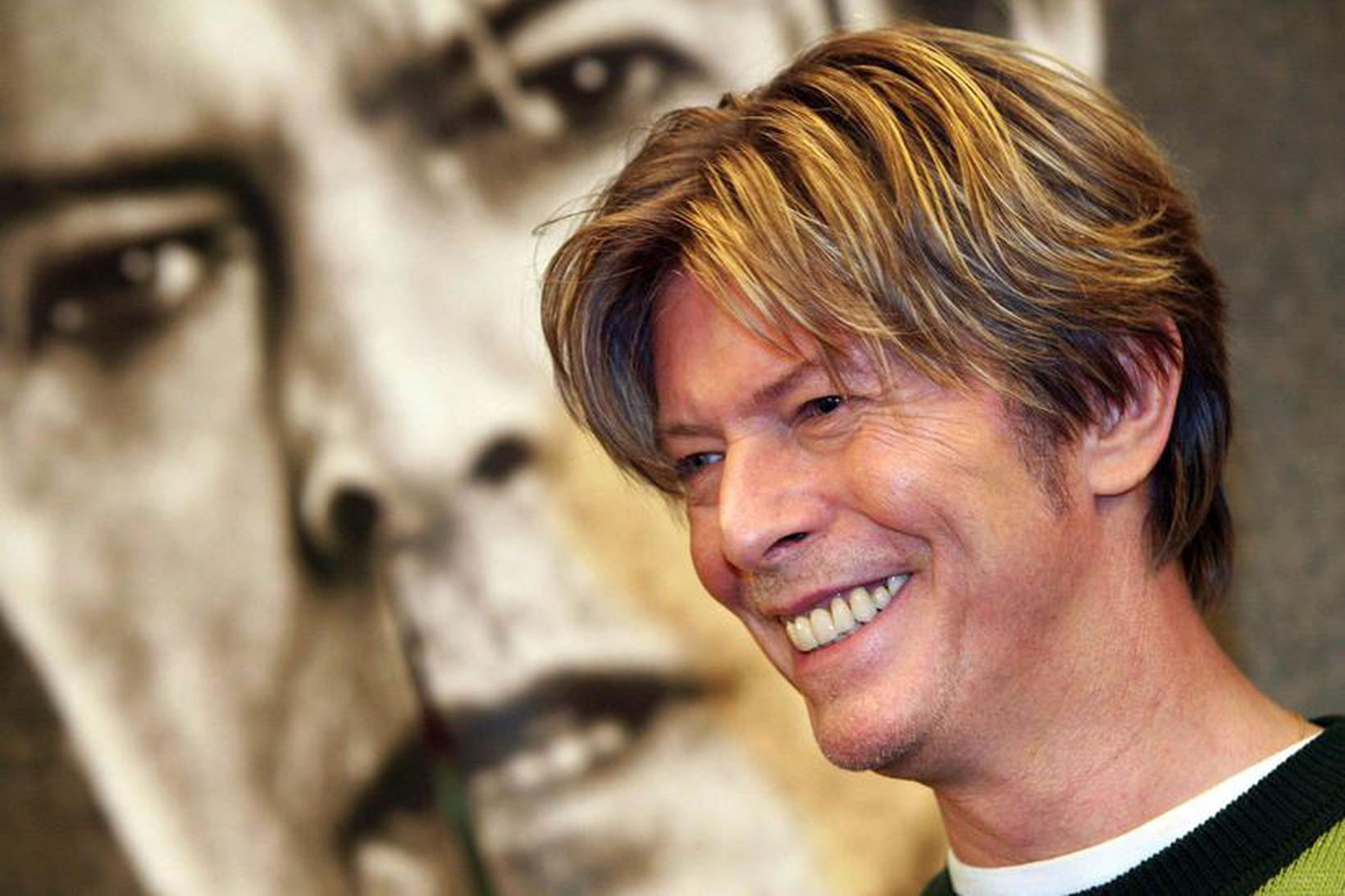 David Bowie í París árið 2002.