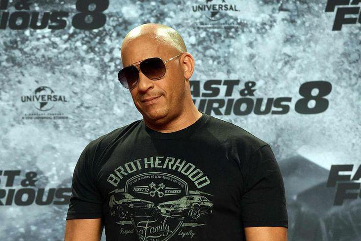 Vin Diesel er sköllóttur og öruggur með sig.