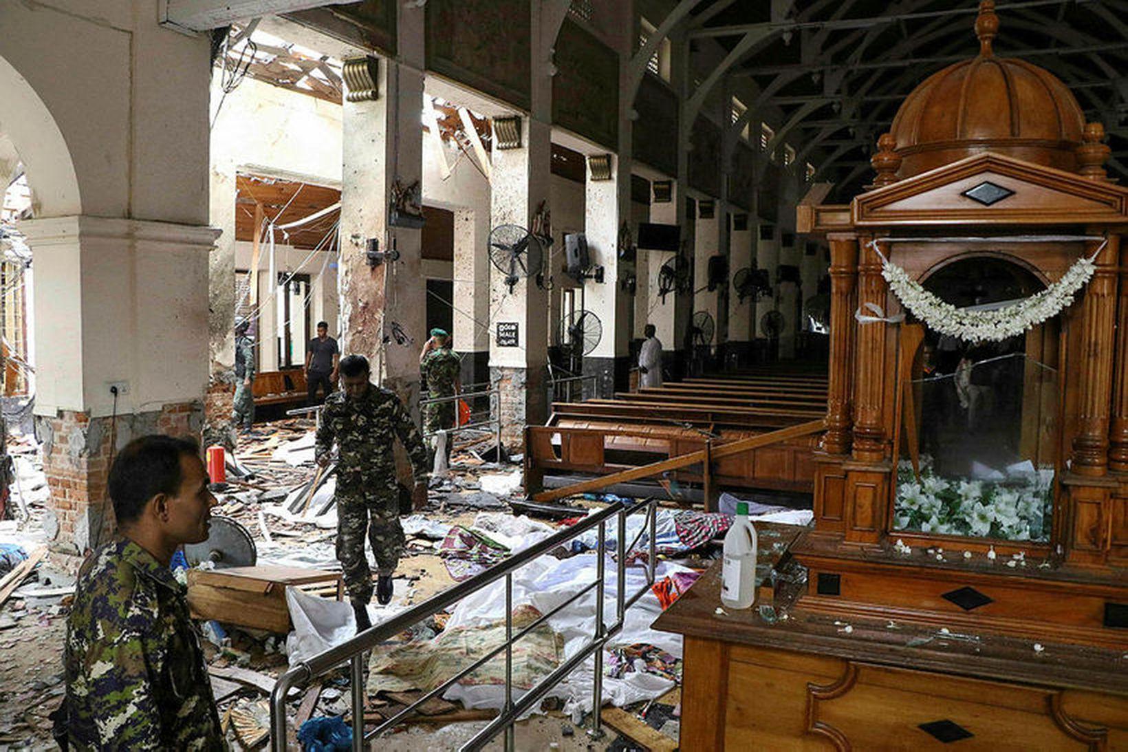 Frá kirkjunni St. Anthony's Shrine á Sri Lanka þar sem …