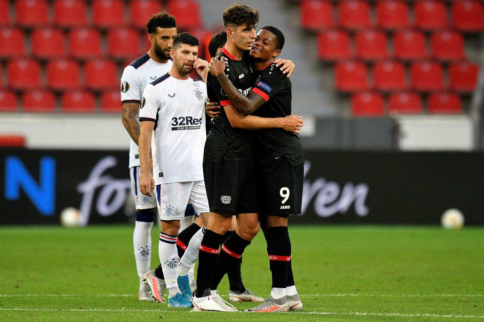 Leikmenn Leverkusen fagna í kvöld.