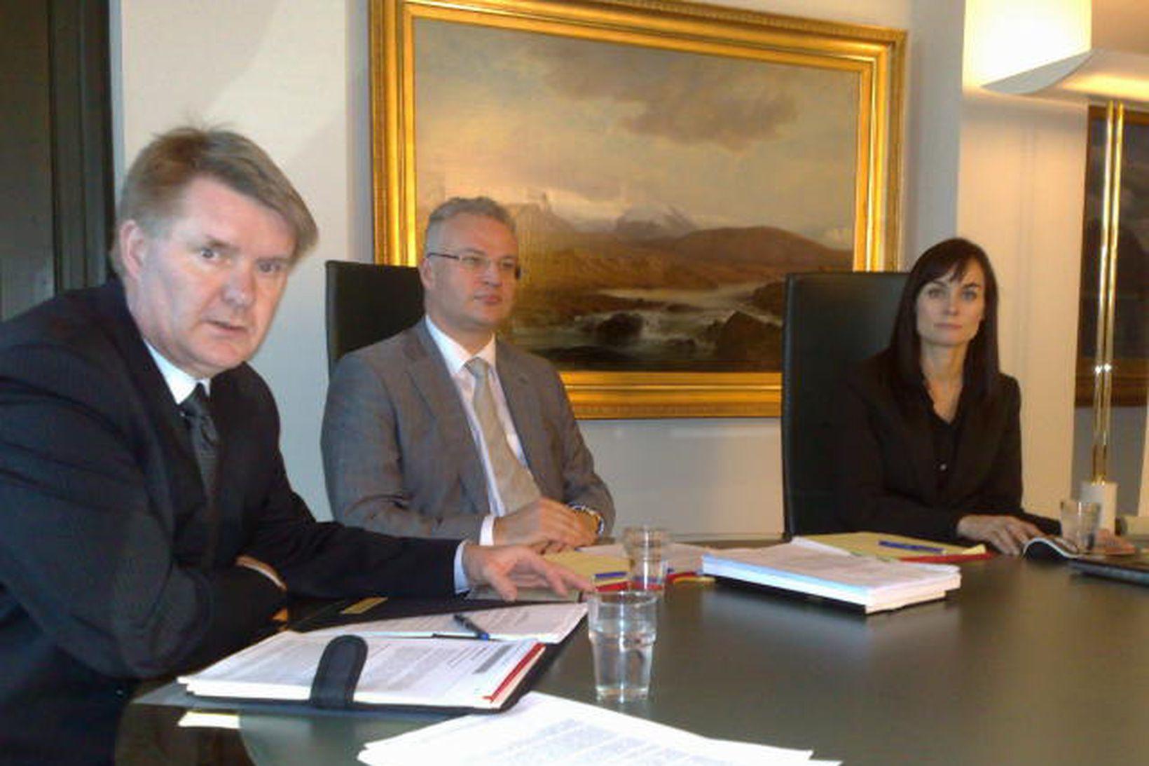 Tryggvi Gunnarsson, Páll Hreinsson og Sigríður Benediktsdóttir sitja í rannsóknarnefndinni.