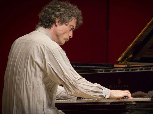 Paul Lewis - Solo Recital