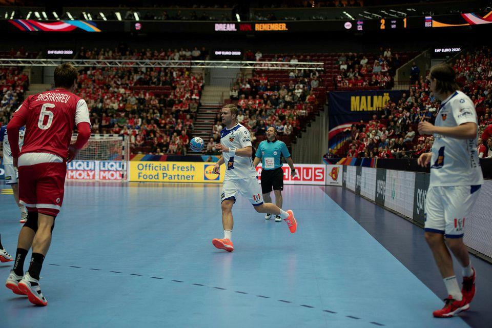 Aron Pálmarsson í eldlínunni í dag.