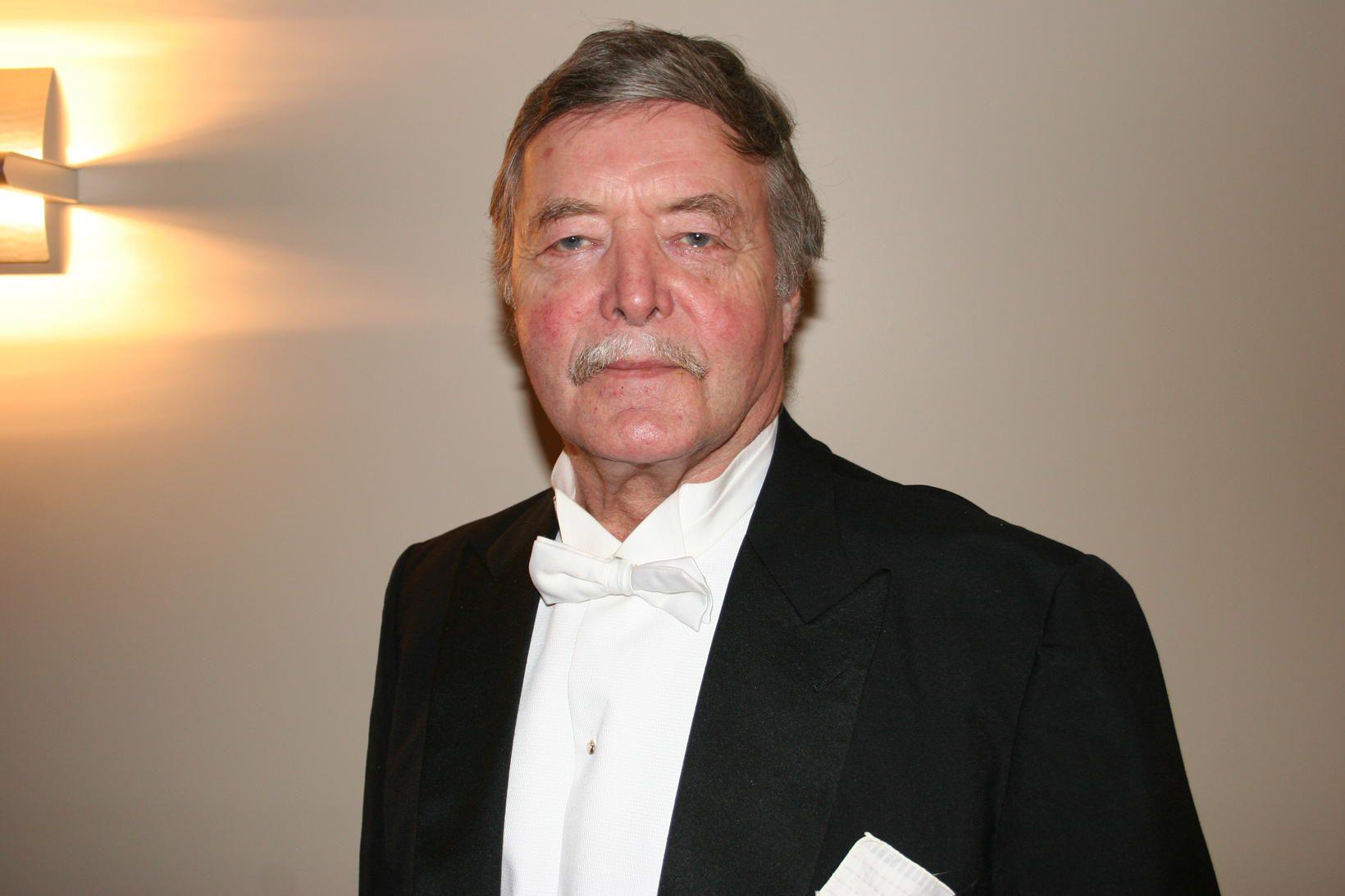 Vilhjálmur Einarsson er látinn.